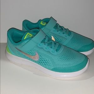 Nike Free Run Turquoise Green  Running Shoes